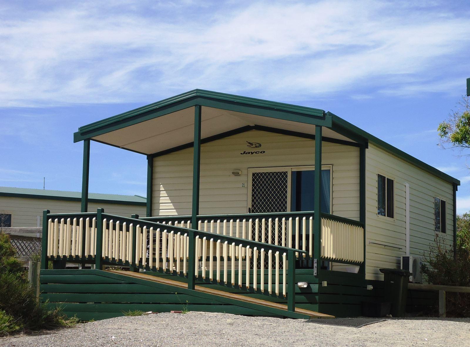 Deluxe 2br Seaview Cabin