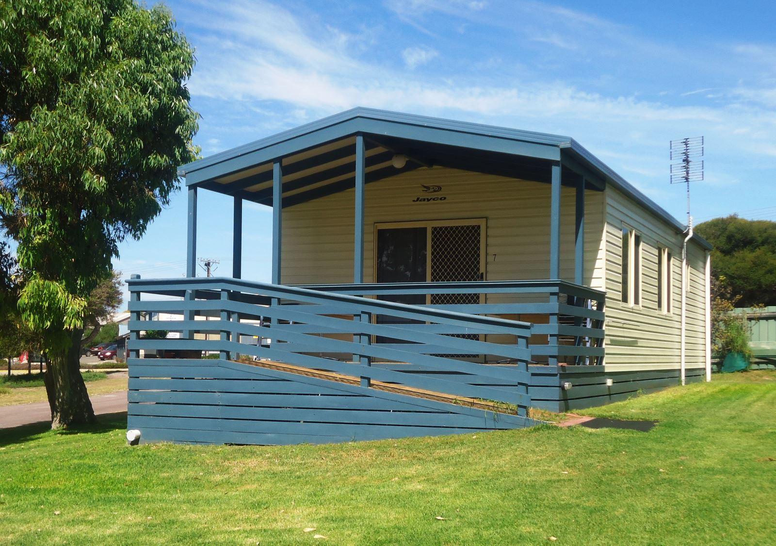Deluxe 3Br Cabin